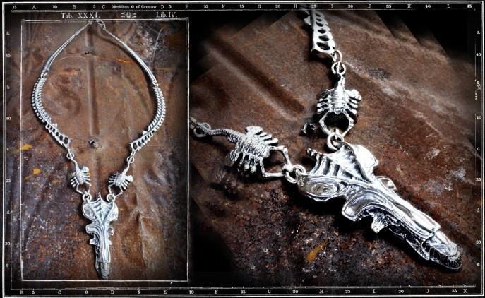 Alien Queen necklace