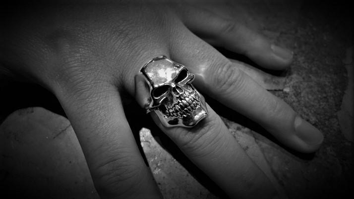 Psycho killer skull ring