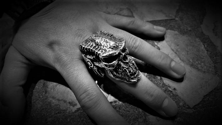 S.O.B. skull ring