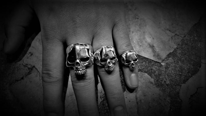 Mini Evil Skull Ring