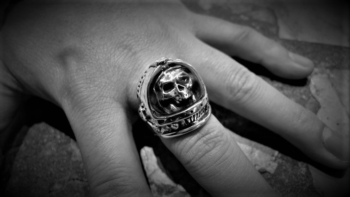 Major Tom Skull ring
