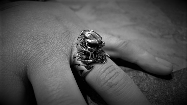 Zap Skull Ring