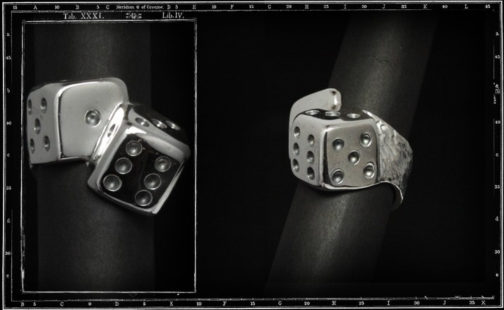 Tumbling dice ring