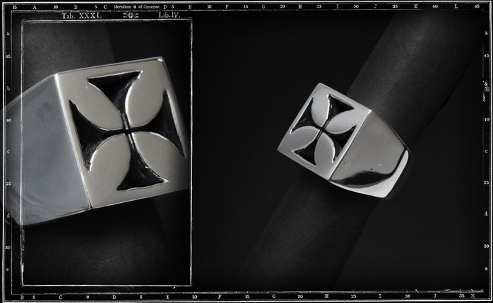 Maltese cross ring (square signet)