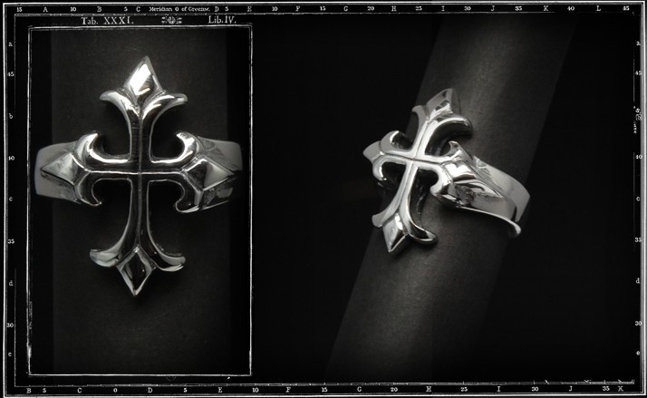 Small tudor cross ring