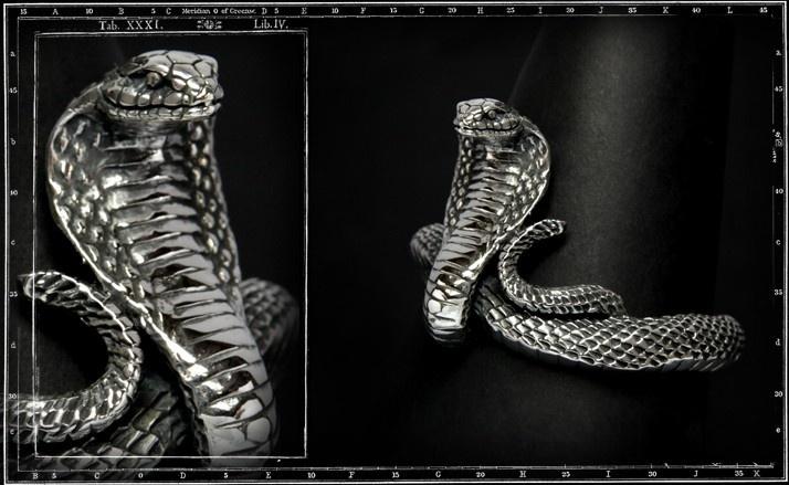 Large cobra bracelet