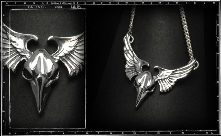 Winged bird skull pendant w. chain
