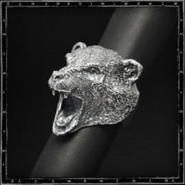 Bear head ring