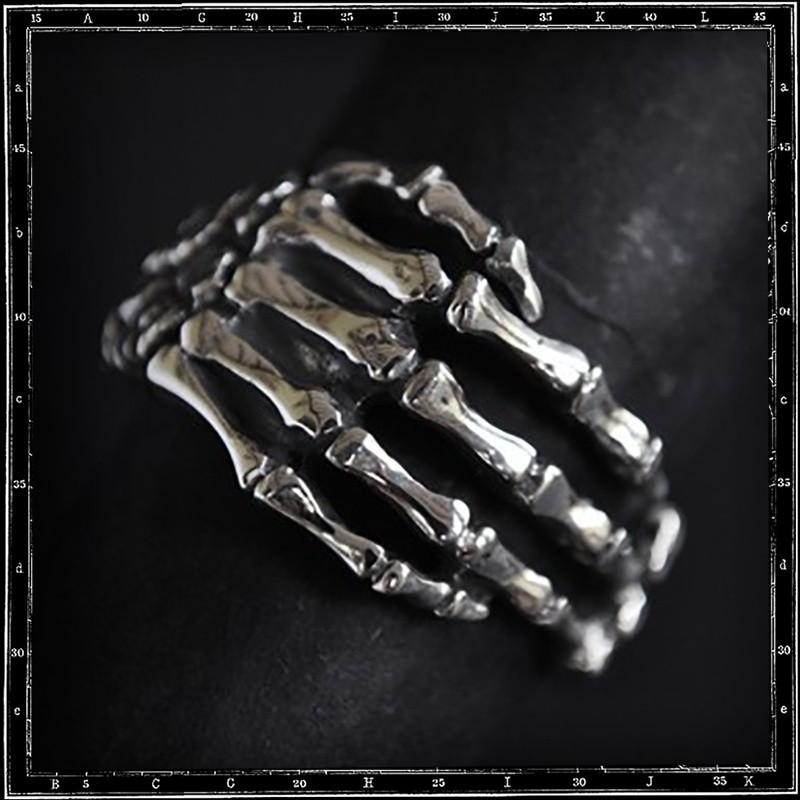 Bone hand skull ring (small)