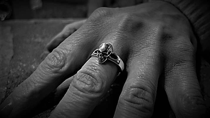 Small skull ring (plain)