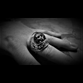 Major Tom Skull ring