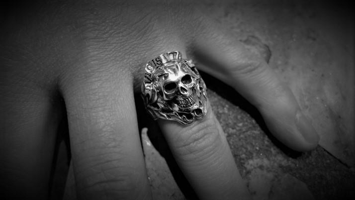 Dvlcis Vita Skull Ring