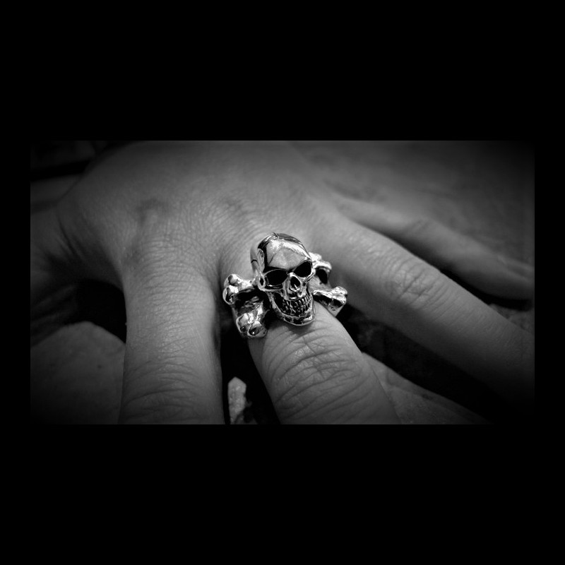 Large 3d Skull Crossbones Ring