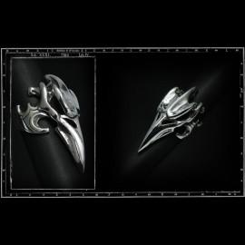 Evil bird skull ring