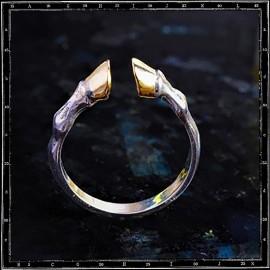 Elegant Hooves Ring