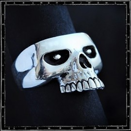 Chopped Skull Ring