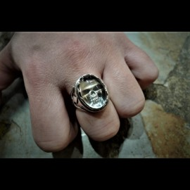 Crystal skull ring (large)