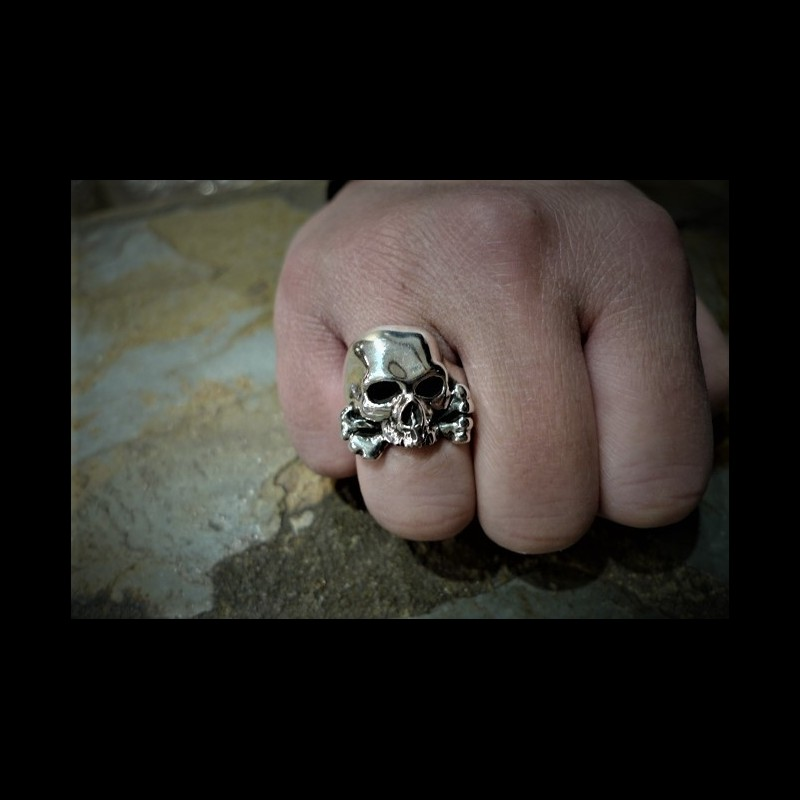 Three quarter skull & Cross Bones ring
