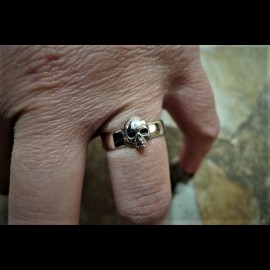 Top Jaw Skull ring