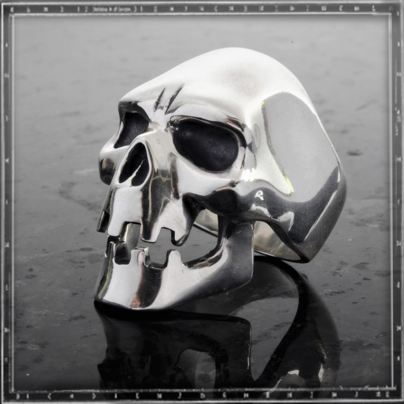 Heavy mental Skull ring