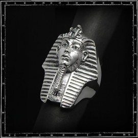Pharoah's head ring