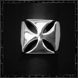 Maltese cross ring (plain)