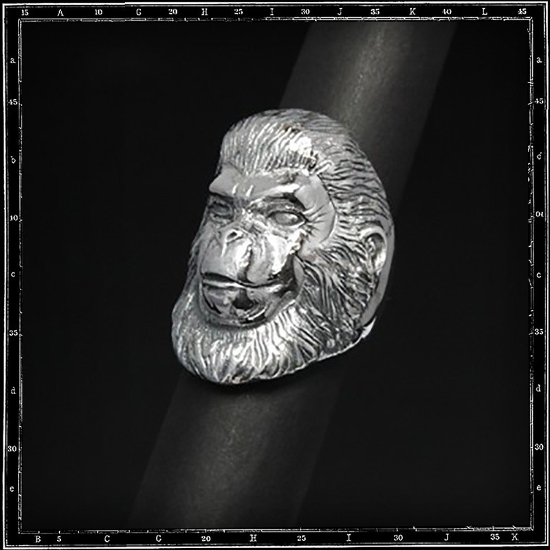 Planet of apes ring 2 cornelius