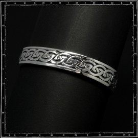 Plain Celtic knots bracelet