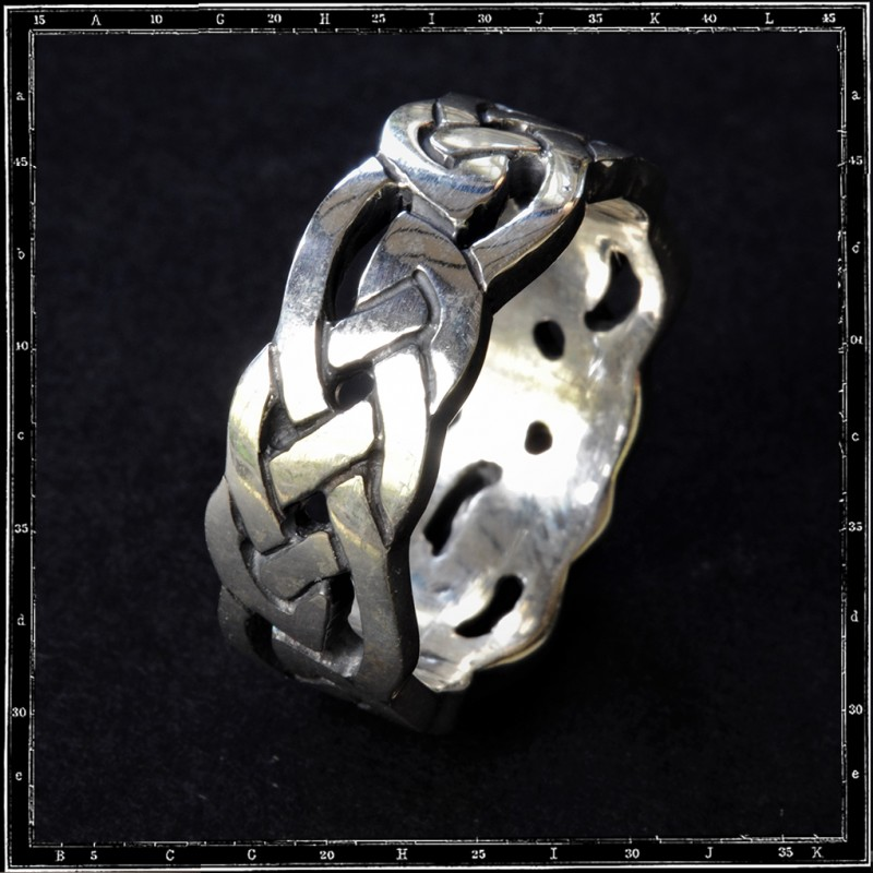 CELTIC BAND ring