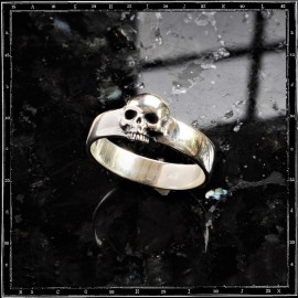 Plain Skull Band ring
