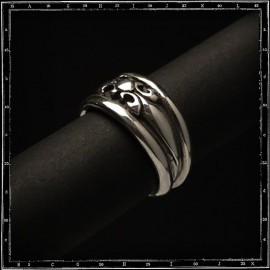 High dome tudor ring (small)