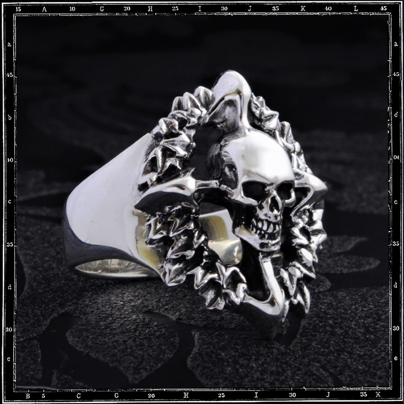 Skull Wreath Ring