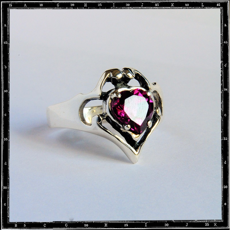 Corazon Heart Stone Setting Ring