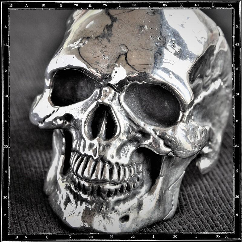 Live Skull Ring