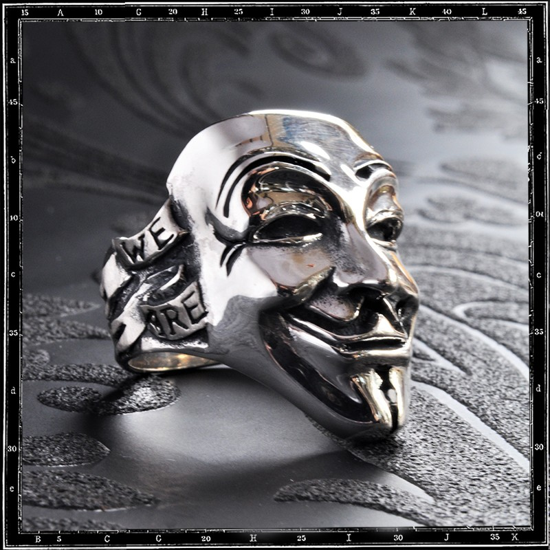 Vendetta Mask Ring