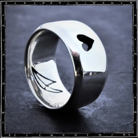 LOVE WIDE FLAT BAND (CUTAWAY HEART) RING