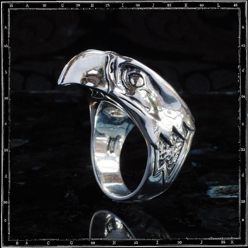 Small Eagle Head ring