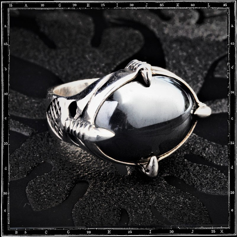 Four Claws Ring