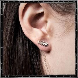 Fishbone stud earring