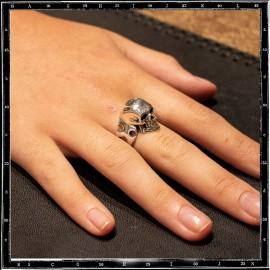 Cutaway skull ring