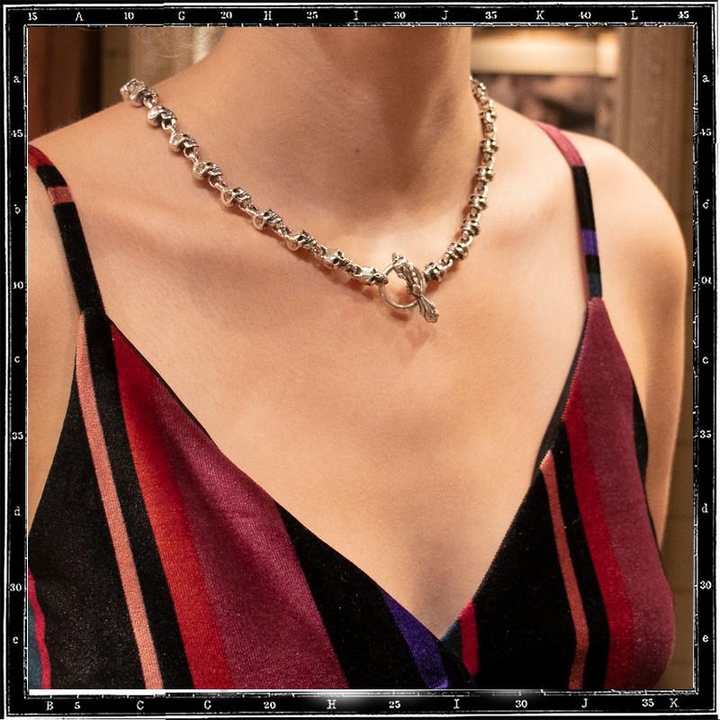 Medium skull link necklace with Skulls T-Bar