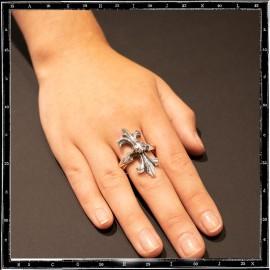 Tudor cross ring