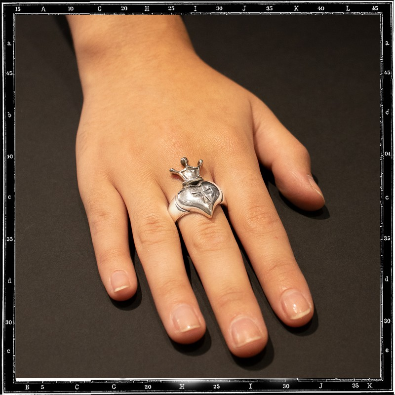 Heart & crown ring 1 (large)
