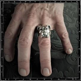 Bulldog ring