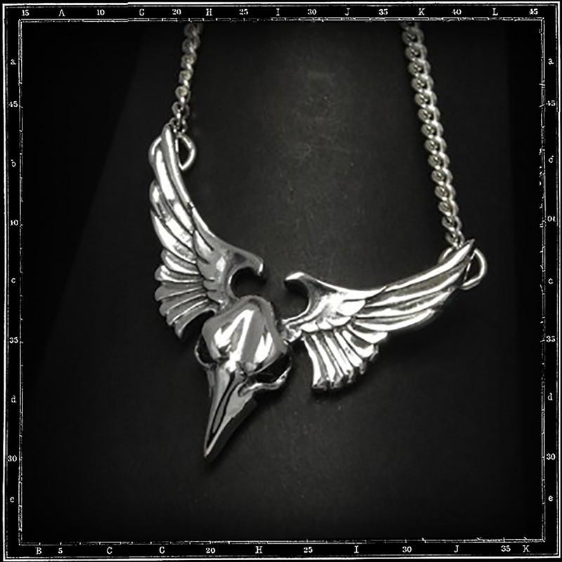 Winged bird skull pendant w. chain