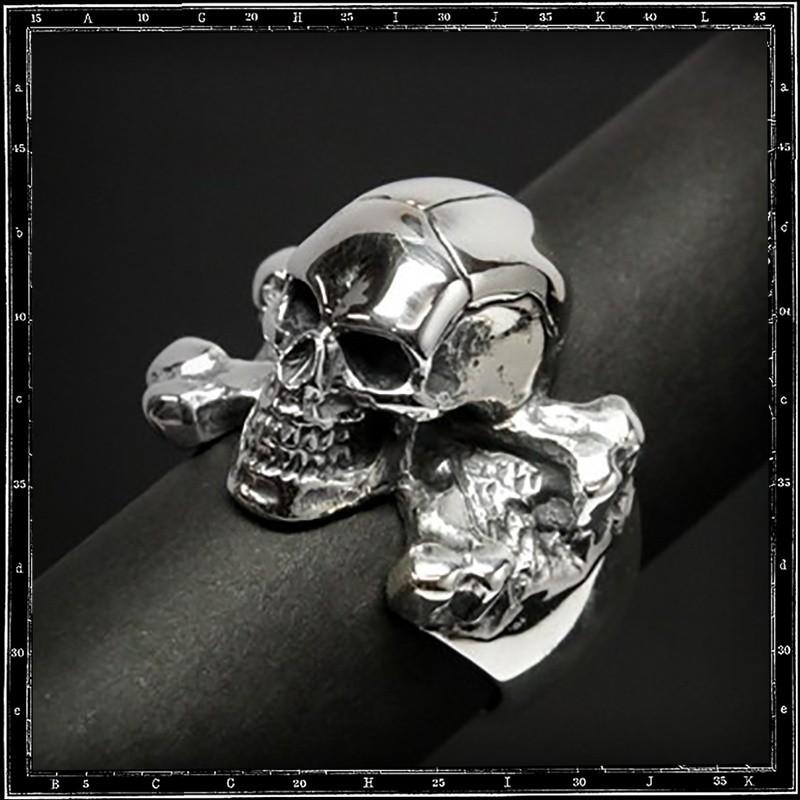 3d skull & cross bones ring (large)
