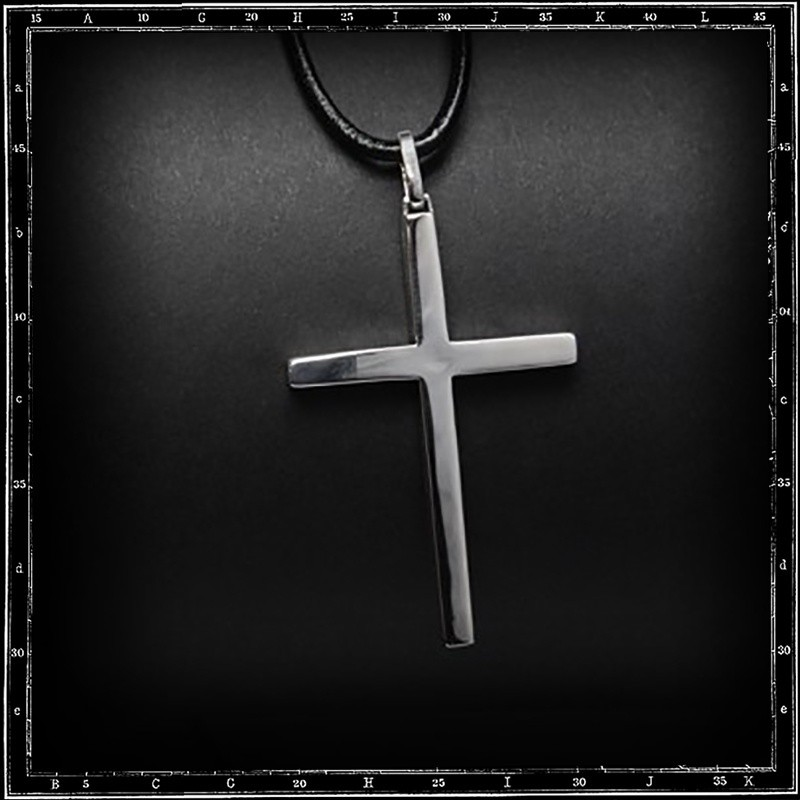 Ozzy cross pendant