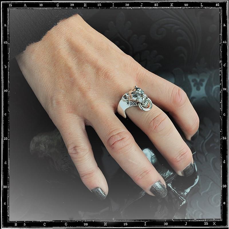 Small tiger head ring