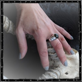 Fleur De Lys Stone ring