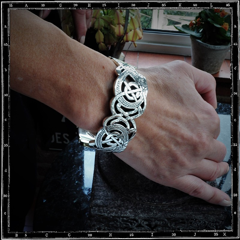 Large Celtic dogs bracelet